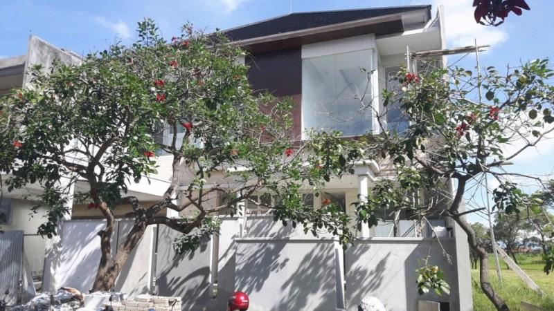 Jual Cepat Rumah Mewah di Surabaya - RumahDimana.com