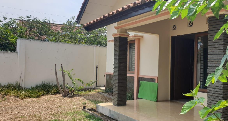 Jual rumah kost Bandung, Rumah dan Kostan, 2 lantai 20 ...