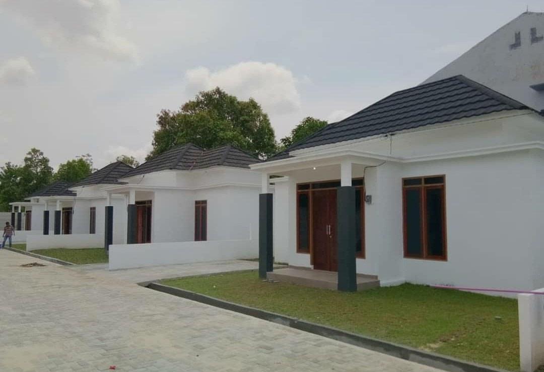 Jual rumah di Pekanbaru, Rumahnya Keluarga Beruntung sisa ...